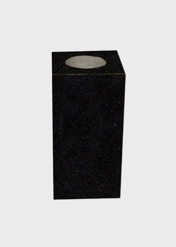 vazna za spomenik crna